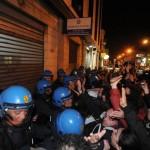 Proteste sotto ufficio immigrazione 1(2)