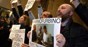 Mafia Roma: M5S in Campidoglio, protesta in aula Giulio Cesare