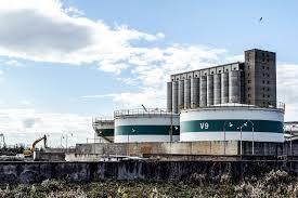 Torre Annunziata, stop all'ampliamento delle cisterne: abbiamo vinto, ritirate le licenze